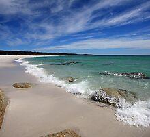 Bay Of Fires,Swimcart Beach, Tasmania by David Jamrozik