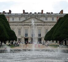 Hampton Court Palace by profusemoose
