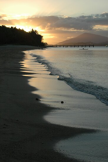 Dunk Island by Donnabug