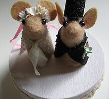 Mice wedding cake topper by mykonos