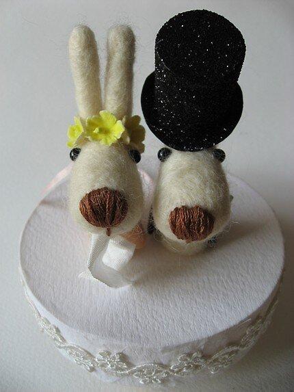Doggie cake topper by mykonos