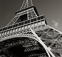 Eiffel Tower by sumners