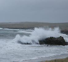 Rough weather on St Ninians, Shetland by matthewvl