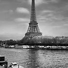 Eifell Tower by Paulo Nuno