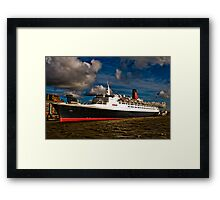 QE2 Visits Liverpool for the Final Time Framed Print