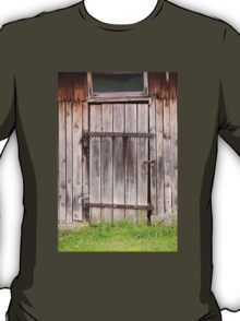 old shed dilapidated cubby door T-Shirt