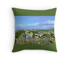 The Strand and Castle Hill -Townsville Throw Pillow