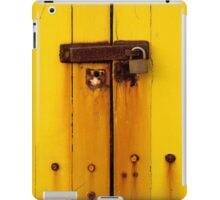 Rusty latch on beach box iPad Case/Skin
