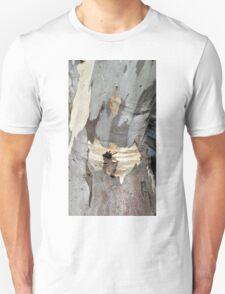Gum tree bark 8: creased knee T-Shirt