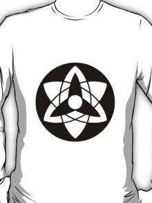 sasuke mangekyou sharingan( black and white) T-Shirt