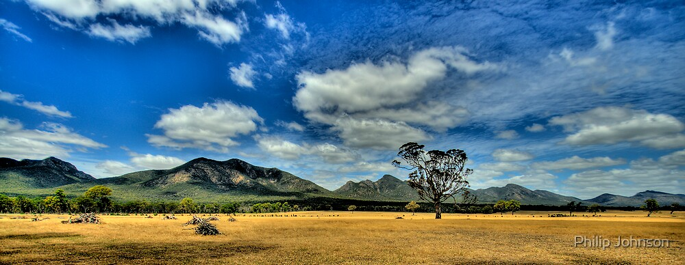 The Photographers Cut - Sunburnt Country  - Halls Gap - Grampians National Park - The HDR Experience by Philip Johnson