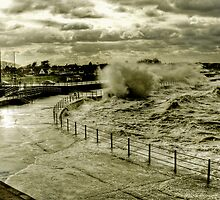 Rough Sea At Minnis by Gareth Holloway