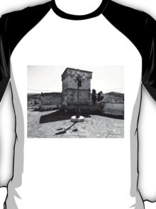 Agropoli: square with tower T-Shirt