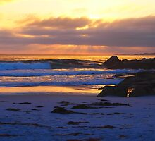 Sunrise at Bay of fires Tasmania by kabykaby