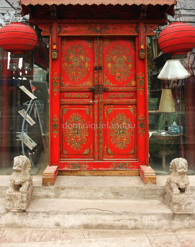 Chinese red door by dominiquelandau