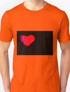 Heart with pink bow Unisex T-Shirt