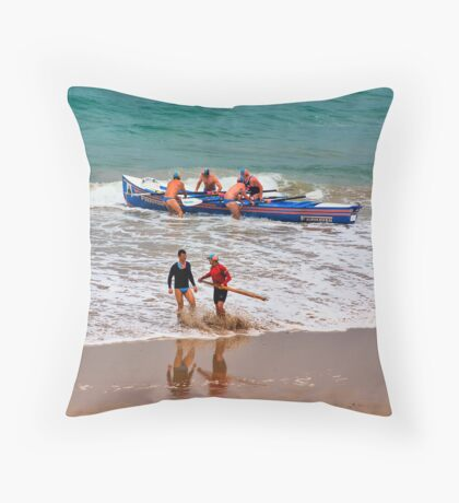 Fairhaven SLSC Surf Carnival (8) Throw Pillow