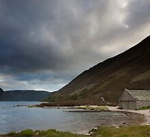 boathouse, loch muick by codaimages