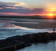 Sunset at Coffs Harbour, NSW by Wendy  Meder