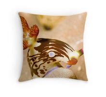Nudi Taking a Bow Throw Pillow