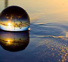 Brighton Reflection 2400 x 1600 only by Meike  Simon