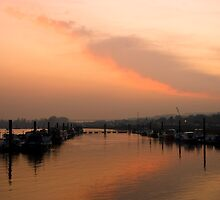 Medway Sunset 2 by Paul Davey