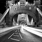 Tower Bridge Trails Mono by duroo