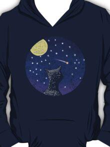 Cat looking at shooting star T-Shirt