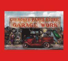 Car - Garage - Cherokee Parts Store - 1936 Kids Tee