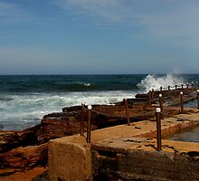 Tidal pool by aaronkenn