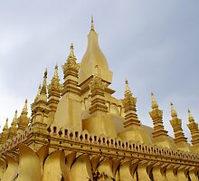 Pha That Luang   by contagion