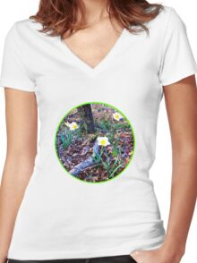 WOODLAND SENSATIONS Women's Fitted V-Neck T-Shirt