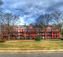 Building 100 at Fort Monroe by lookherelucy