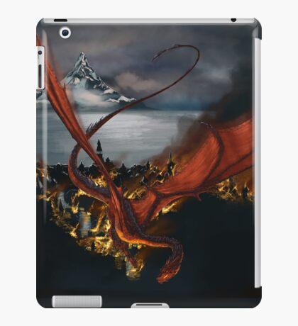 Smaug Terrorizes Laketown iPad Case/Skin