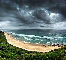 Beach near Nambucca by Ashpix
