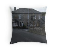 THE KINGS ARMS,,,UK Throw Pillow