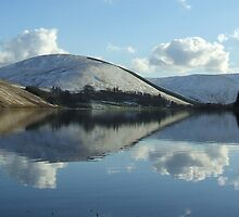 loch of the lowes (pano) by dinghysailor1