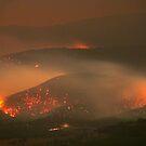 Fires between Yarra Glen and Toolangi, 9th Feb 09. by Ern Mainka