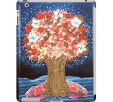 DREAMTREE WITH HYDRANGEAS AND BOUGAINVILLEAS - Collage-Design with dried Blossoms iPad Case/Skin