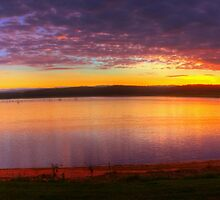 Sunrise at Lake Tinaroo by Gethin