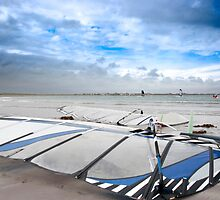 wind surfers braving the Atlantic winds by morrbyte