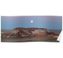 Moon over the breakaways - Coober Pedy - plus 10 minutes Poster