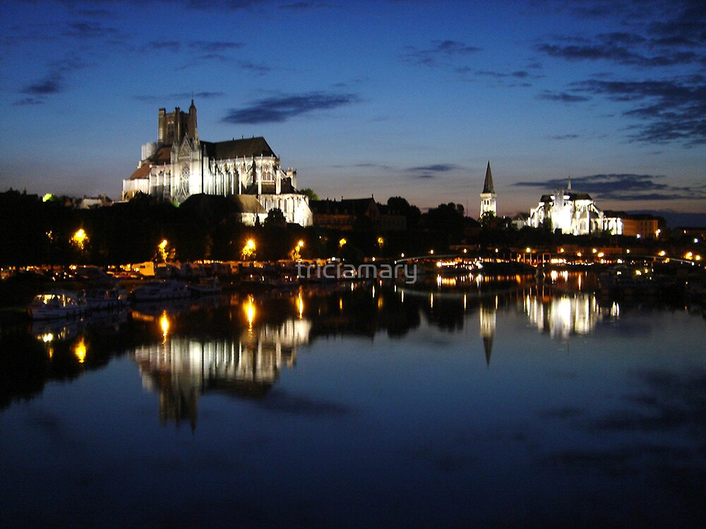 Auxerre by night by triciamary