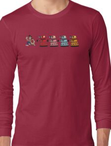 Doctor Who stuck in pac man Long Sleeve T-Shirt