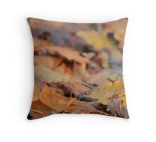 blurry leaves Throw Pillow