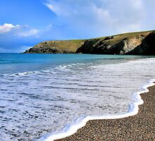 Holywell Bay by cwwphotography
