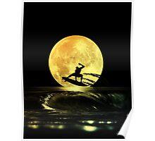 Luna tras surfer Poster