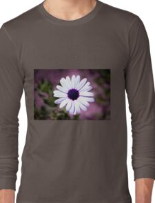 White Daisy with purple center Long Sleeve T-Shirt