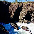 Hell's Gates, Noosa Head, QLD Au by Jennifer Ellison