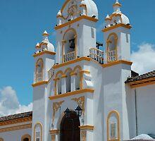 Facade of Quiroga Church by rhamm